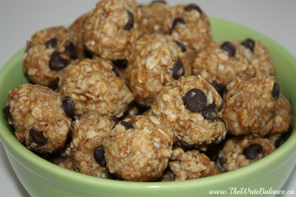 Easy No Bake Granola Balls