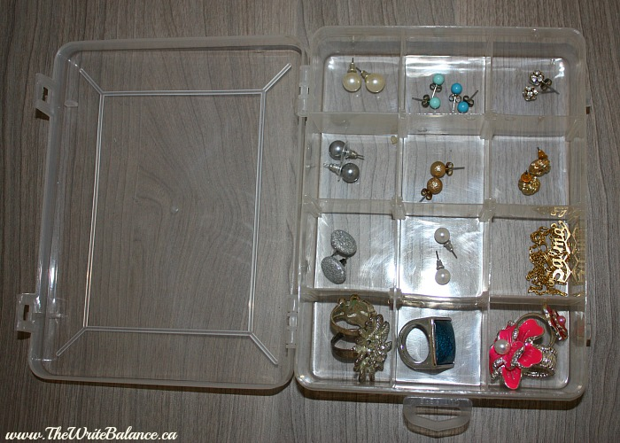 organize studd earrings 1