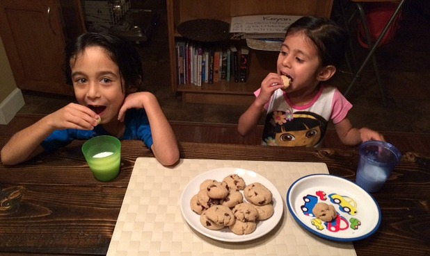 kids eating gluten-free cookies