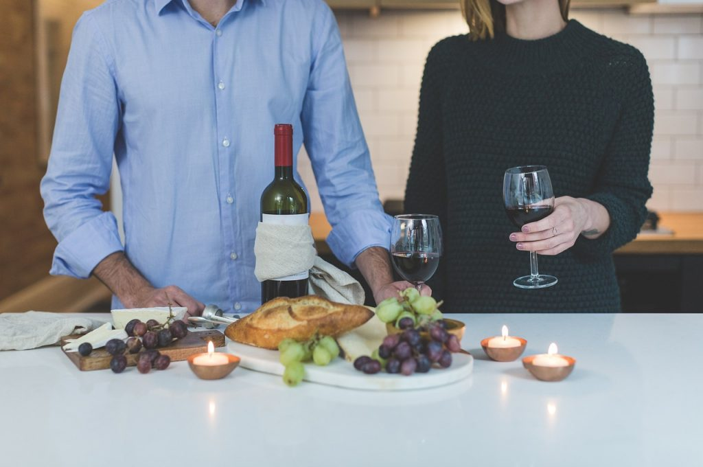 at home date night ideas - candle light picnic