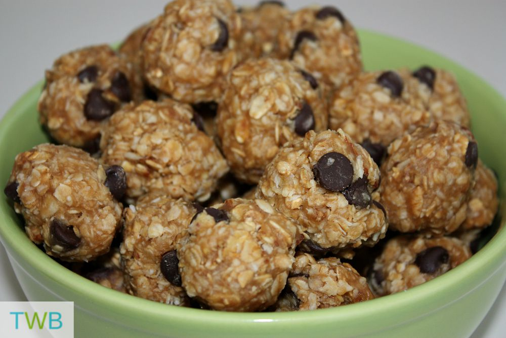 10 Snack Ideas for School Lunches - Granola Balls