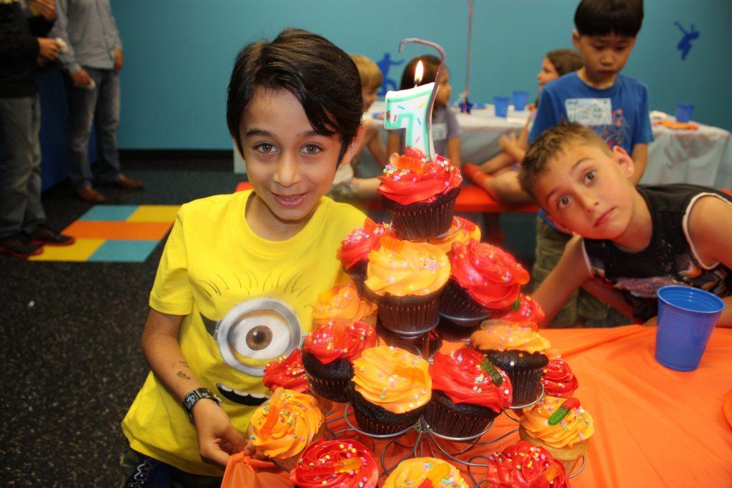 Skyzone birthday party - cupcakes