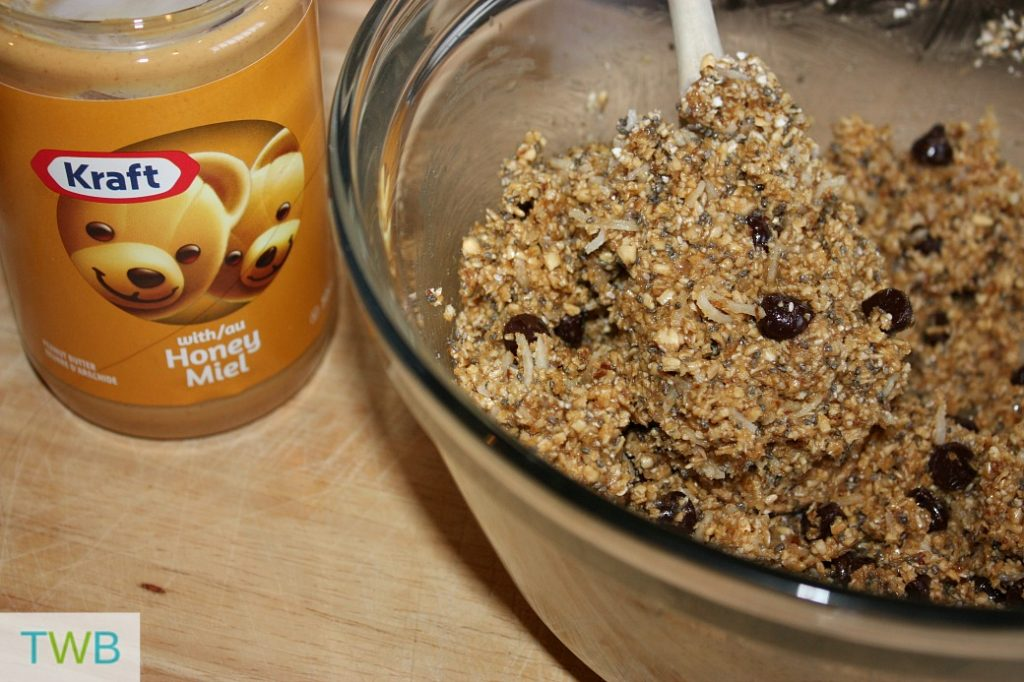 peanut butter energy balls - mixture