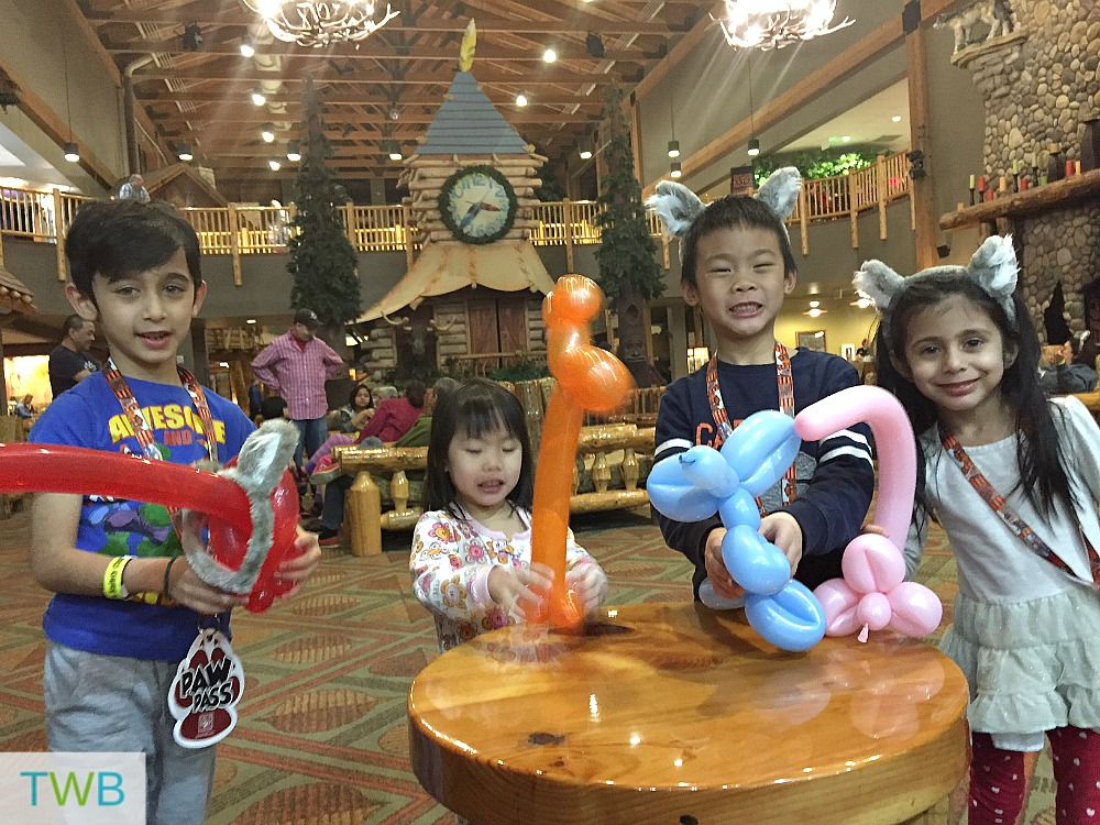 Great Wolf Lodge - Balloon Animals