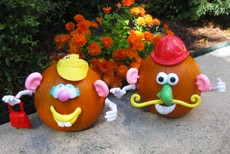 5 Pumpkin Decorating Ideas - mr.potato head