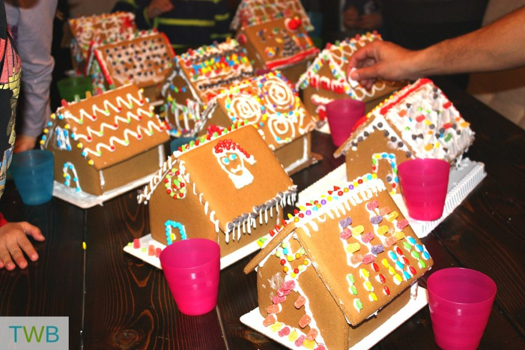 3rd-gingerbread-party-voting