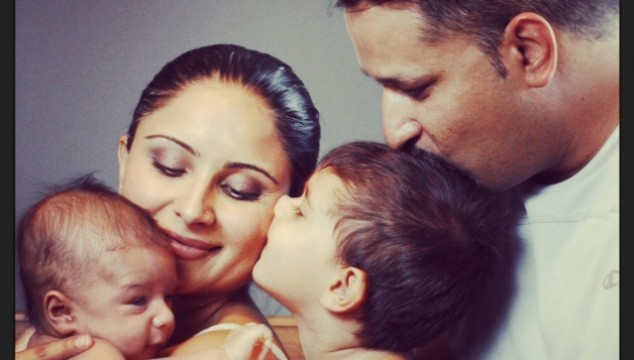nira-arora-family-photo-634x360
