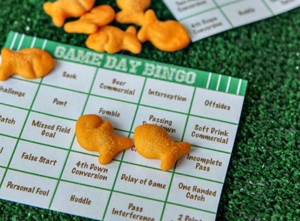 tips for throwing a kid friendly Super Bowl party - football bingo