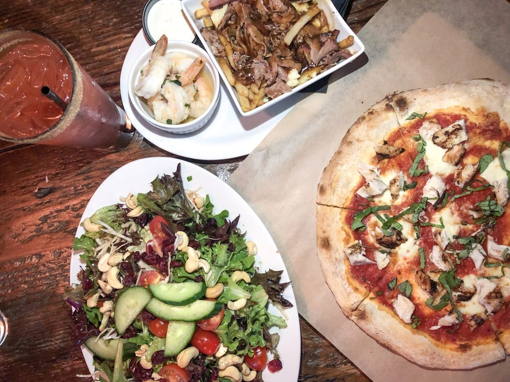 Places to eat in Cowichan - Sawmill Taphouse Grill