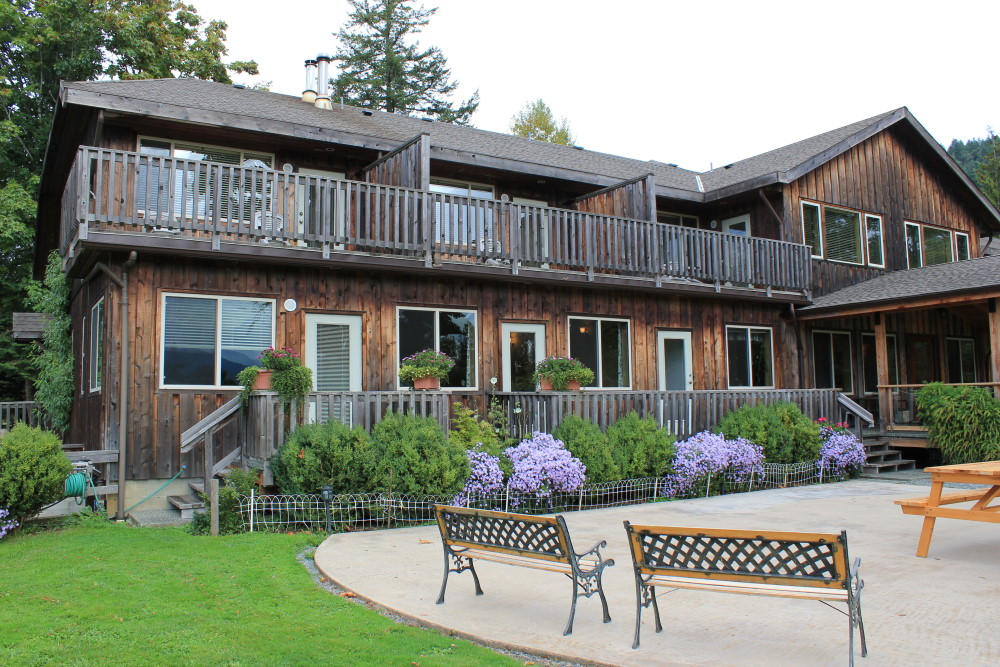 Where to stay in cowichan - Kiwi Cove Lodge